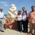 Alcalde Parra durante la inauguración de tres esculturas
