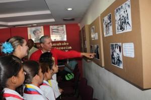 """La exposición """"Día de la Dignidad de los Pueblos"""" se realizó en la Secretaría de Educación"""